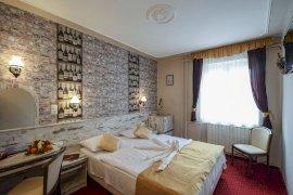 -  exkluzív hotel