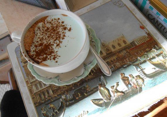 Caffe Frizzo, könyves kávézó, Biatorbágy