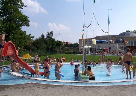 Szigetvári Gyógyfürdő, Szigetvár